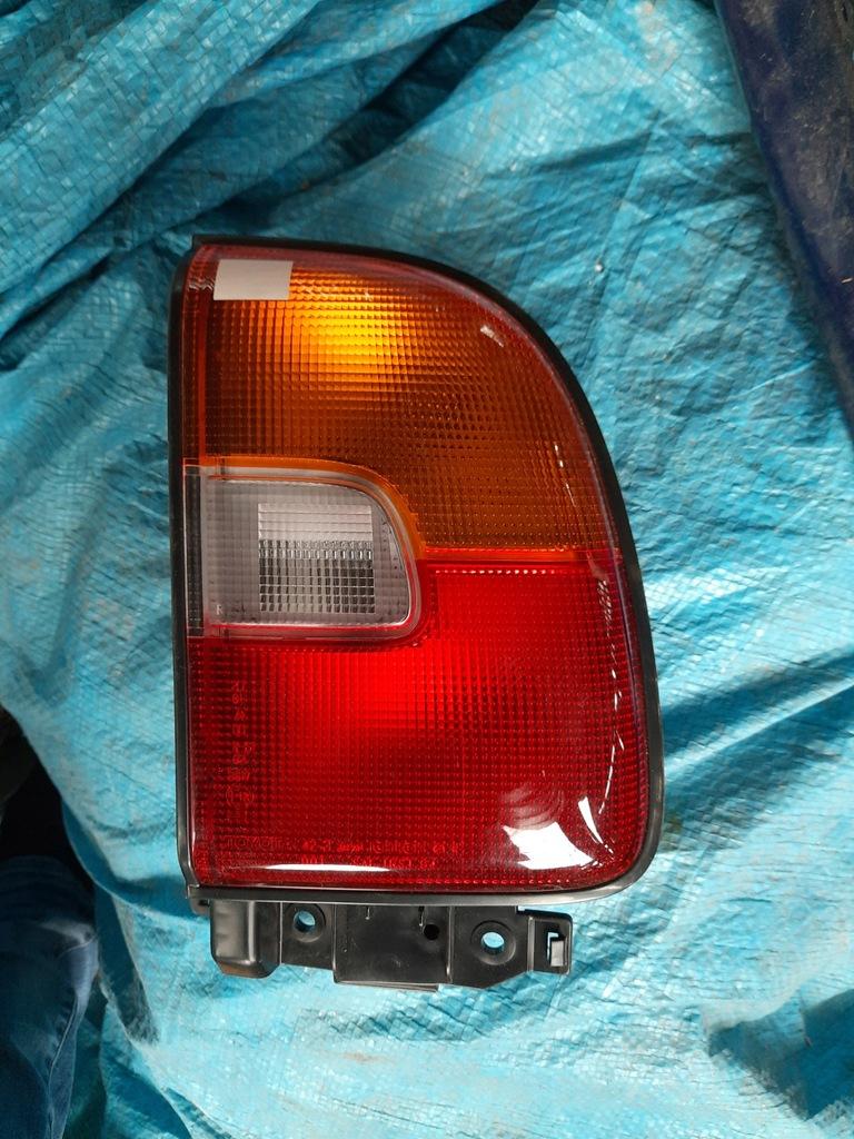 Lampa prawy tył Toyota Rav 4 81550-42020