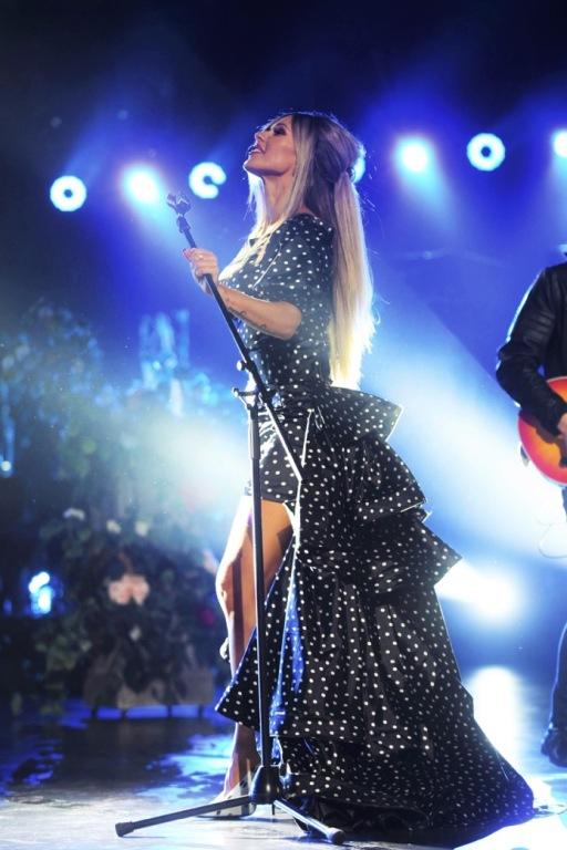 Doda suknia z festiwalu w Opolu 2017