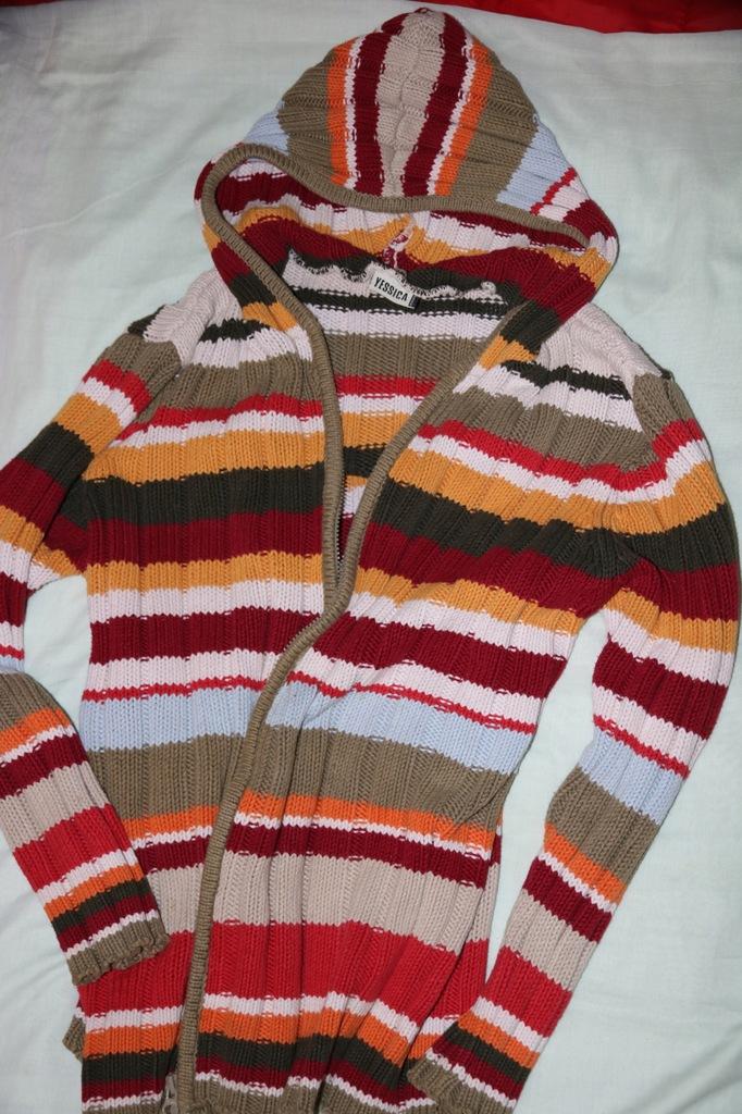 Yessica swetr z kapturem na zamek roz.L