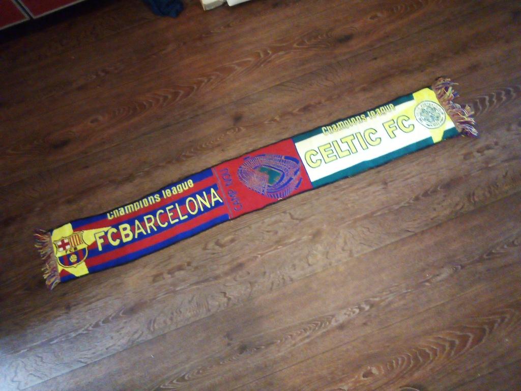 szalik łączony FC Barcelona - Celtic Glasgow szal