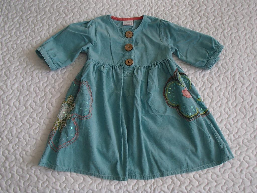 Next sukienka niebieska i kwiat roz 98