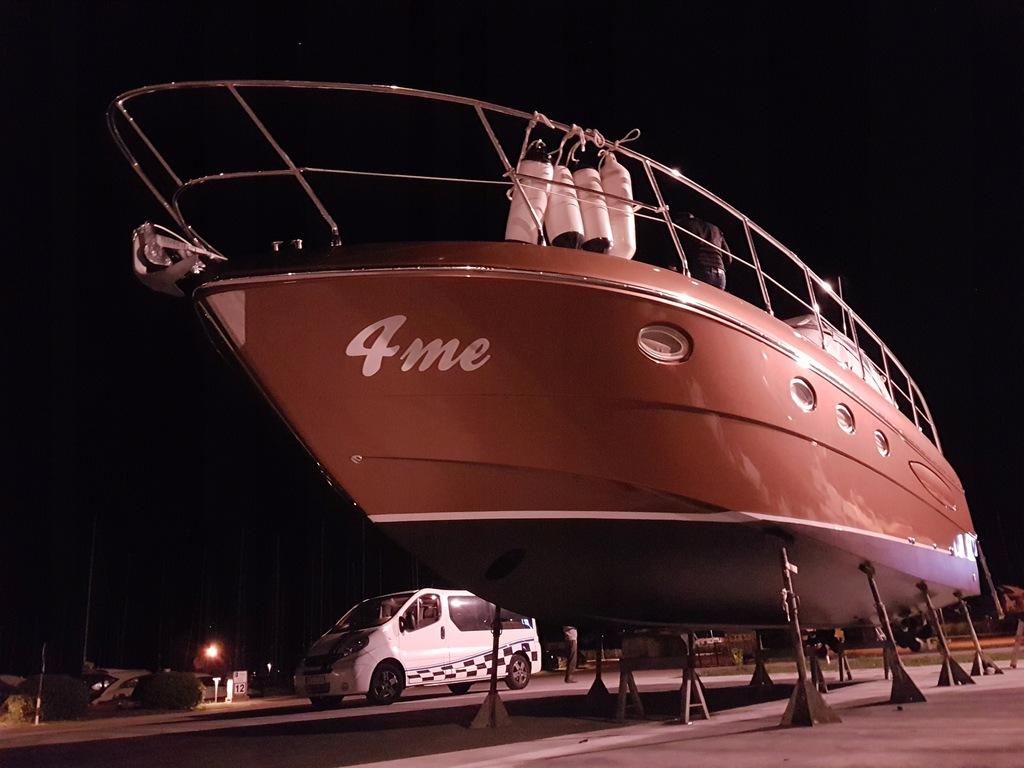 Jacht motorowy 40 stóp