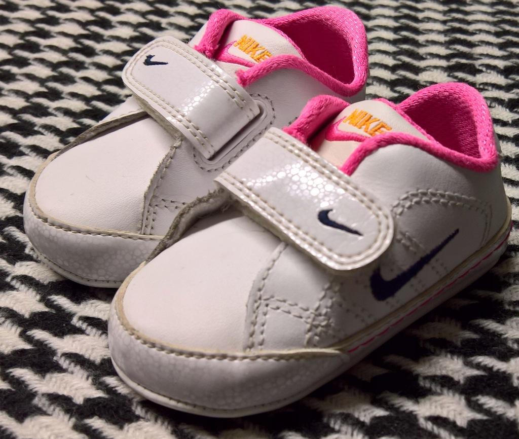 Nike buty dla niemowlaka bobasa rozmiar 17/8 cm