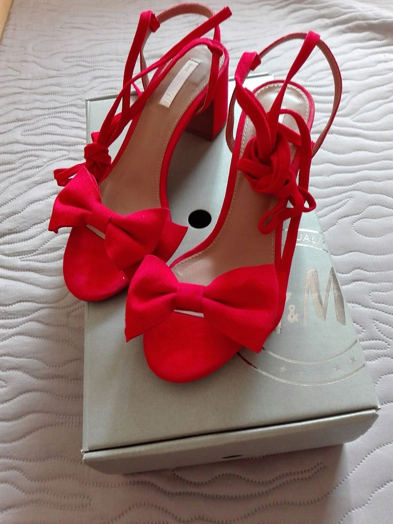h&m sandały czerwone na niskim koturnie