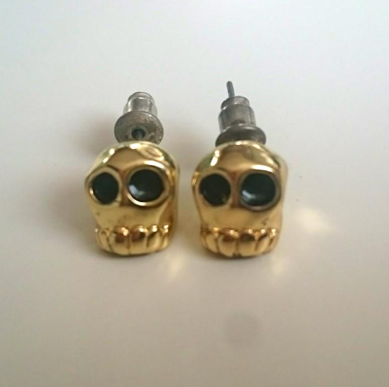 kolczyki czaszki złote