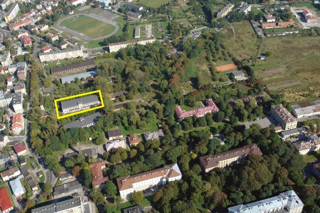 Magazyny i hale, Przemyśl, 4124 m²