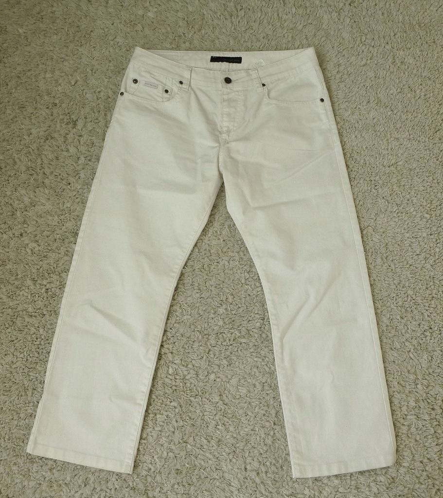 CALVIN KLEIN białe spodnie W34 L29 pas 84cm