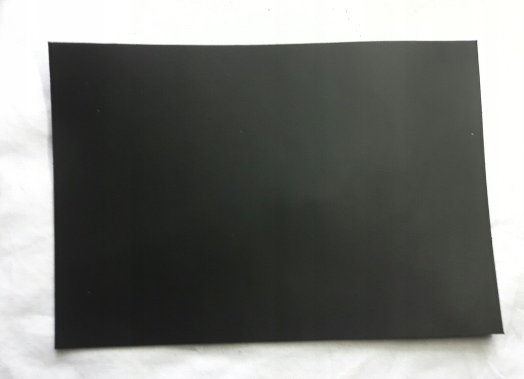 Skóra czarna dwoina 0,029m2 2,0mm