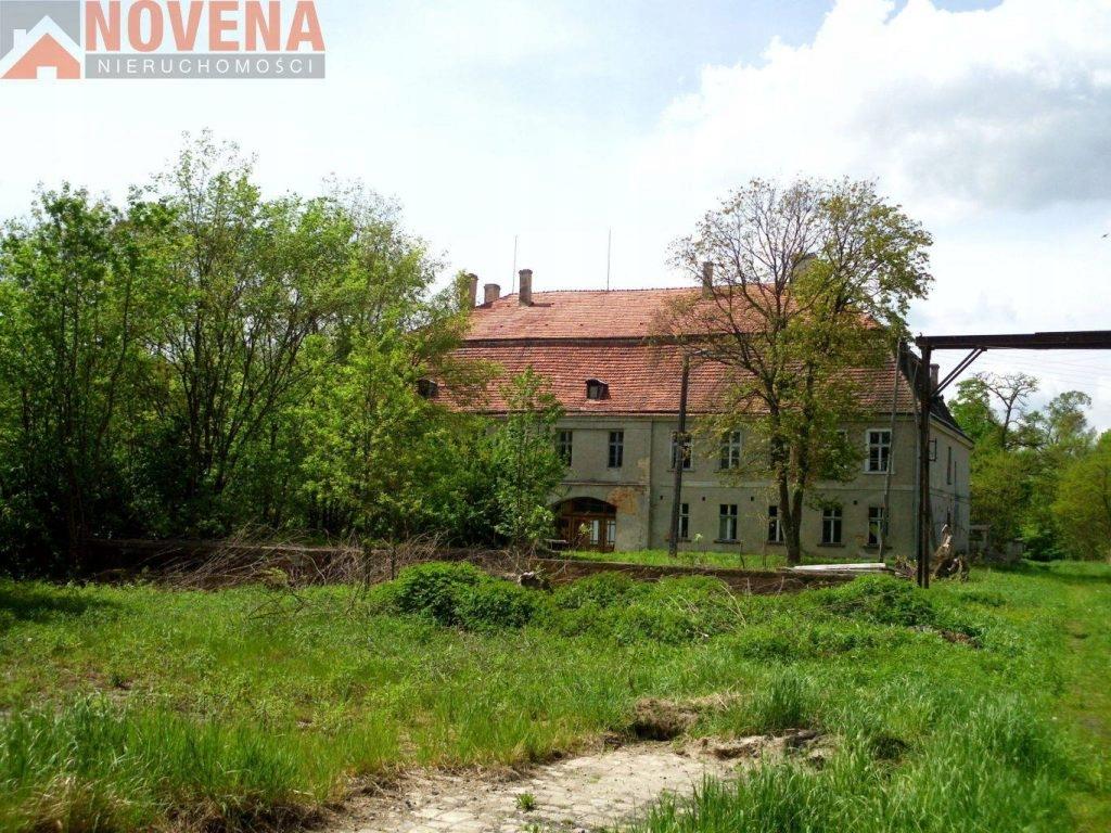 Dom, Oleśnica, Oleśnicki (pow.), 1558 m²