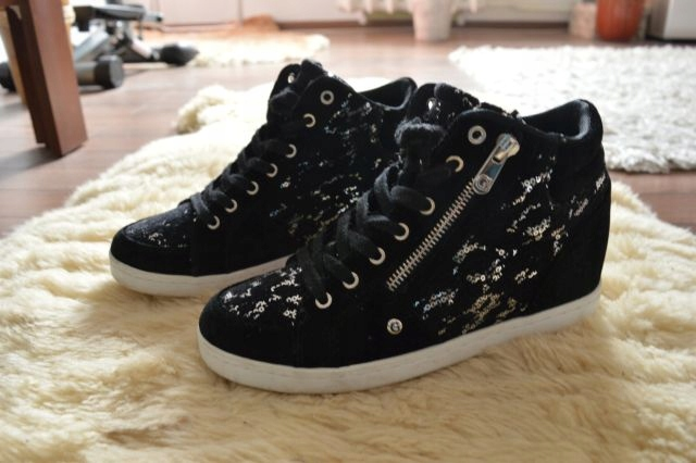buty sneakersy Guess 37,5/38 botki tommy armani