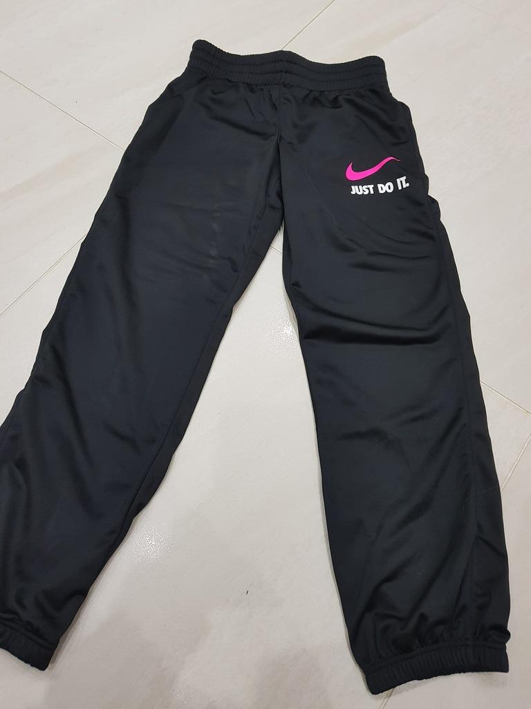 spodnie dresowe dziewczęce Nike 146 156 cm