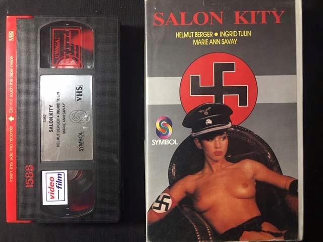 SALON KITY 1976 VHS KASETA VIDEO