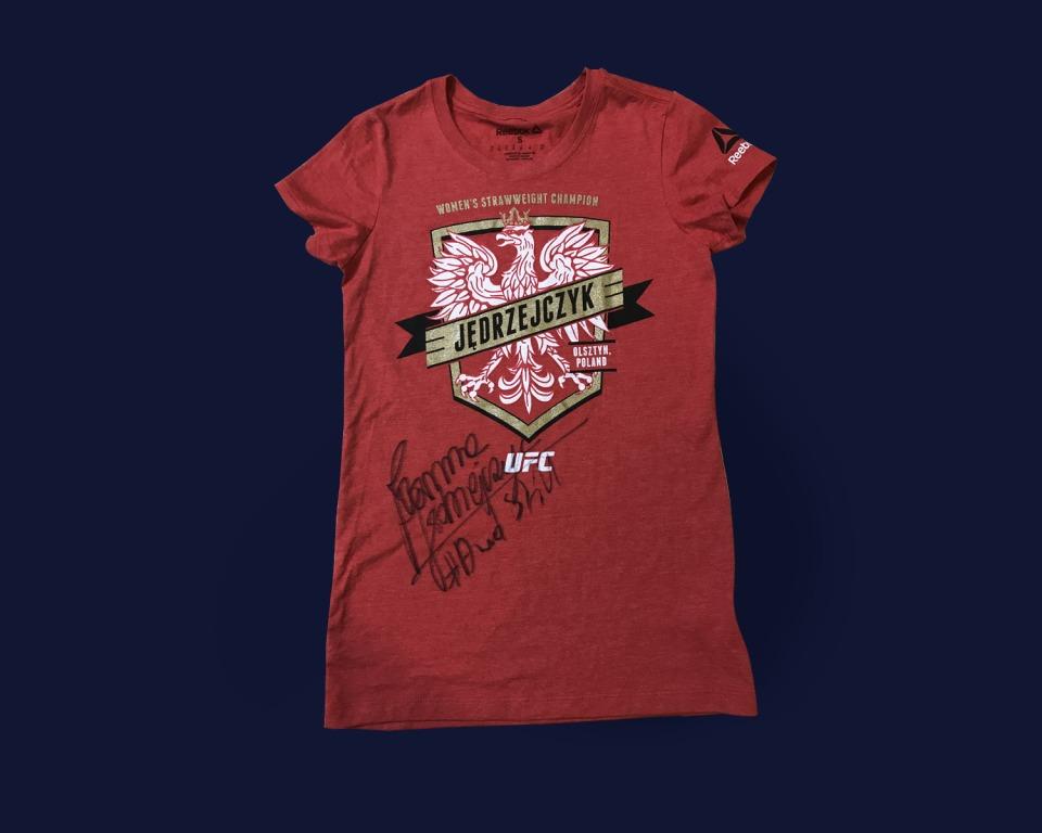 GAZETA.PL:Koszulka z autografem Joanny Jędrzejczyk