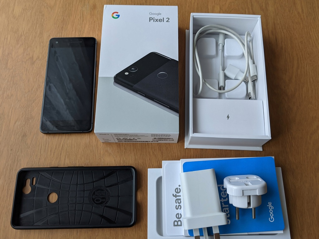 Smartfon Google Pixel 2 64 GB czarny + etui