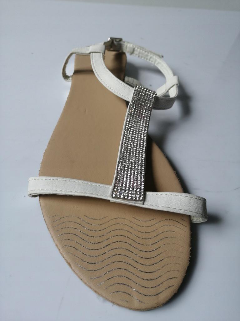 Sandały marki Profile