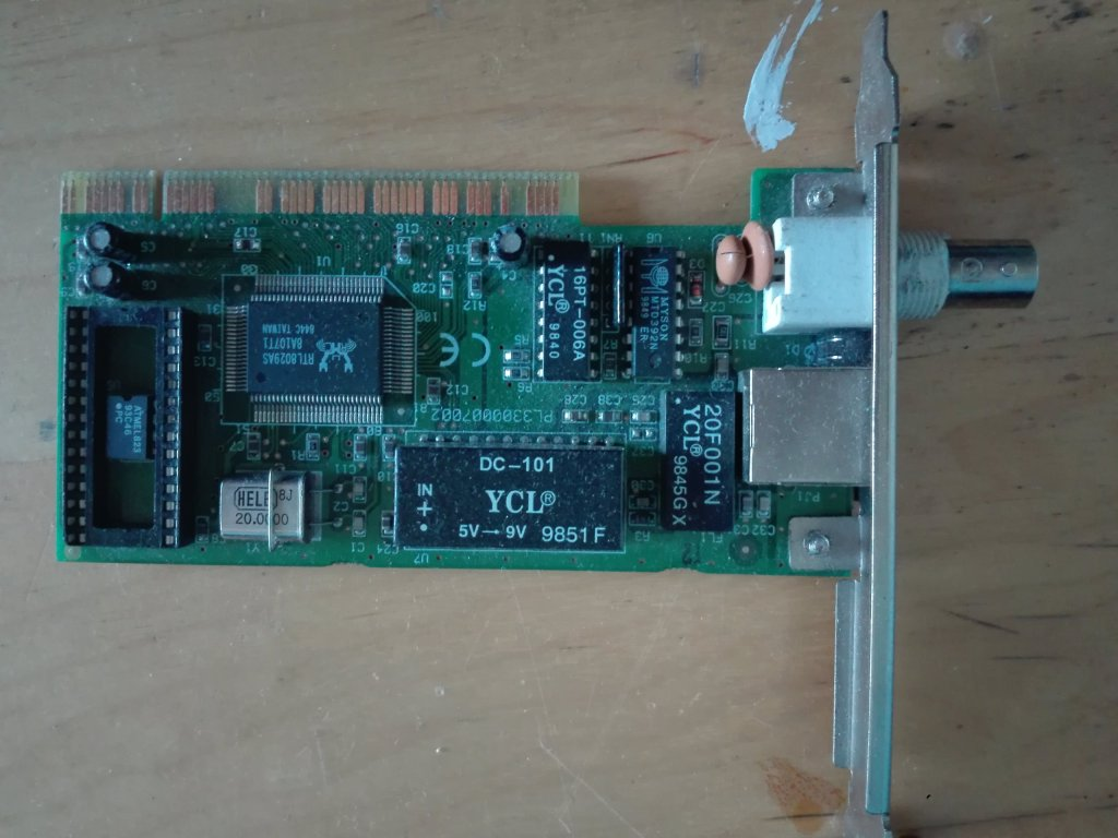 Karta sieciowa Trust PCI starszego typu