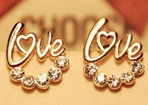 Złote Kolczyki z napisem Love i Kryształami