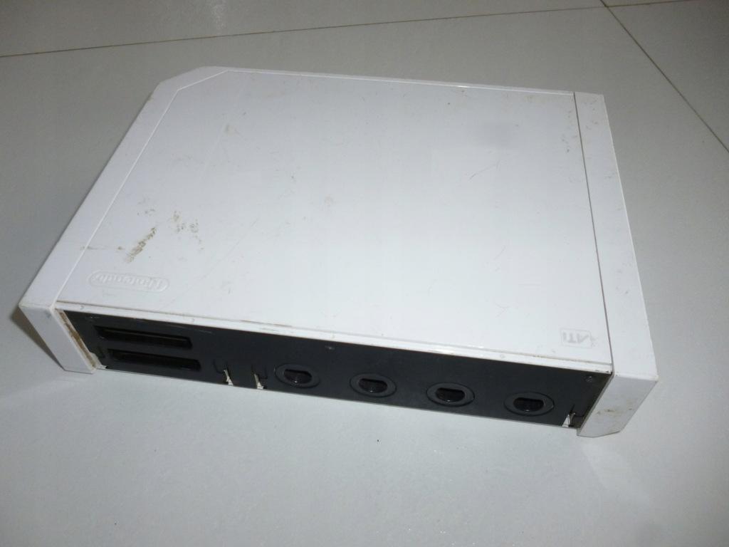 Konsola Nintendo Wii biała uszkodzona tanio