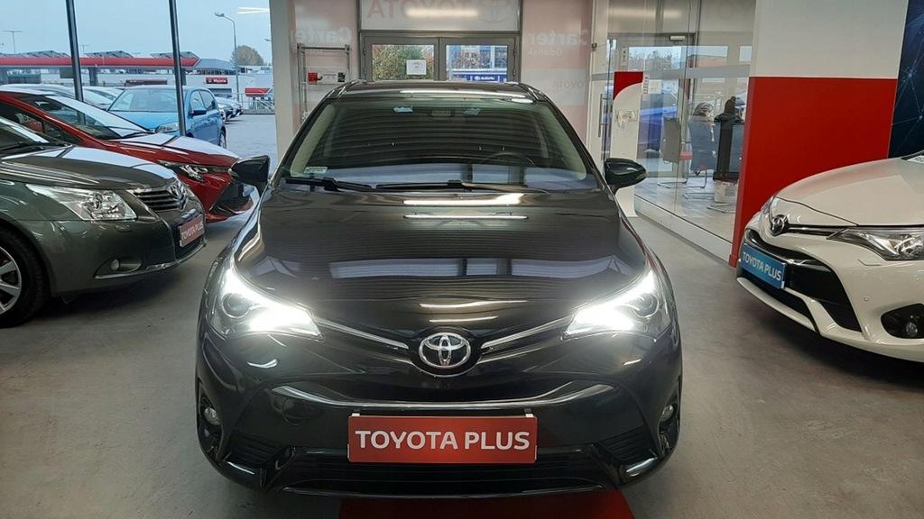 Toyota Avensis 1.8 Premium + Executive + Navi + St