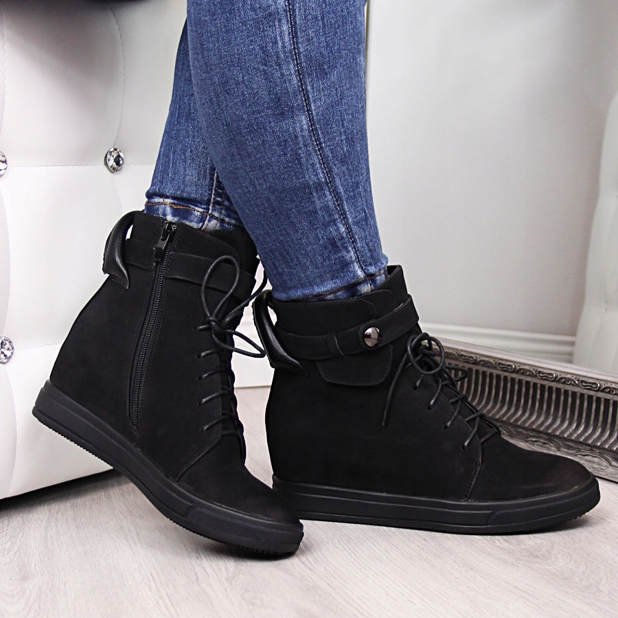Sneakersy na krytym koturnie ocieplane czarne Jezzi czarny