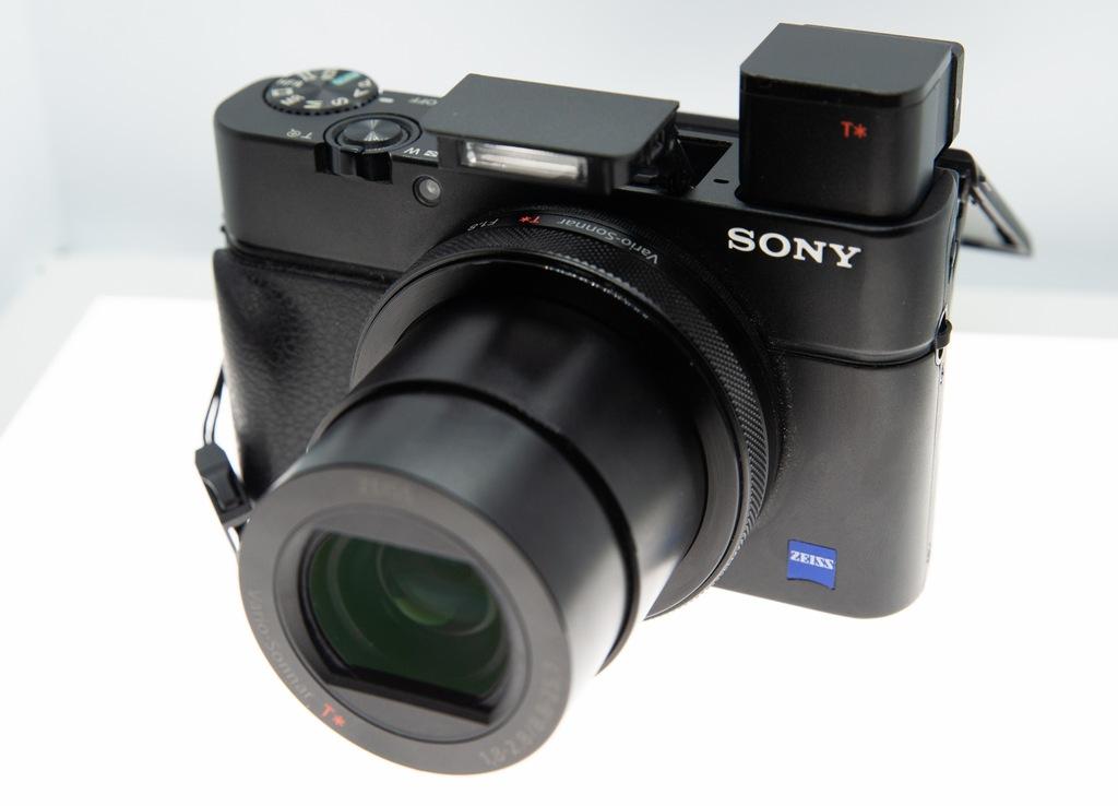 APARAT Sony RX100M4 +3BATERIE+ŁADOWARKA+KARTA 64GB
