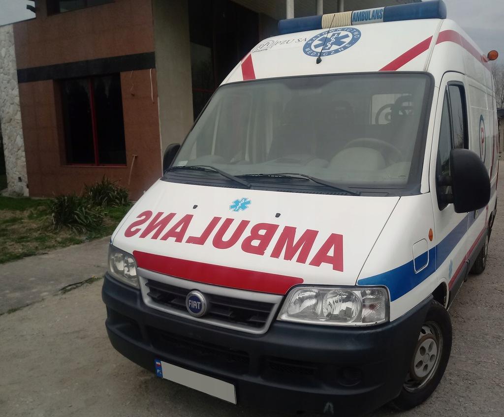 Ambulans Fiat Karetka Sanitarny Ducato na Kamper