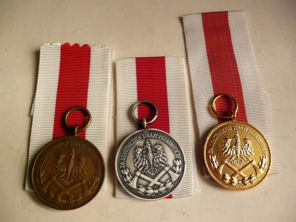 Za zasługi dla Pożarnictwa RP 3 medale komplet