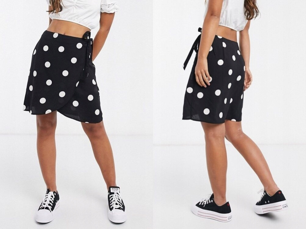 New Look Czarna kopertowa spódnica mini grochy 44