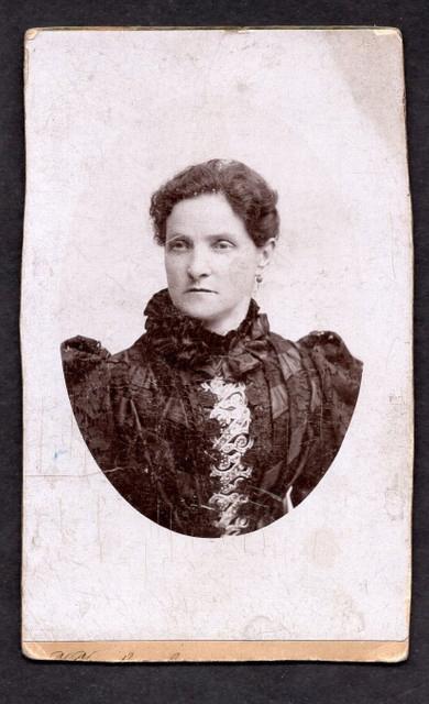 Portret kobiety Fotografia Warszawa [ca 1885]