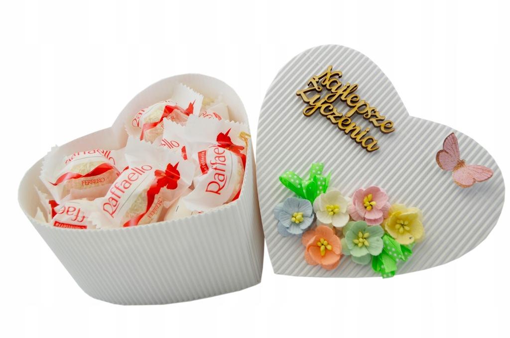Zestaw Słodyczy Serce Raffaello 150g Dzień Kobiet