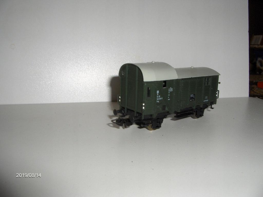 rozpinacz do wagonów i lokomotyw HO