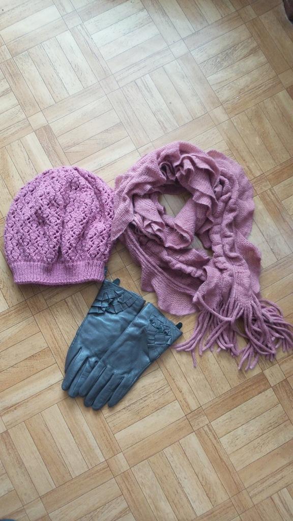 Komplet: czapka, szalik, rękawiczki damskie.