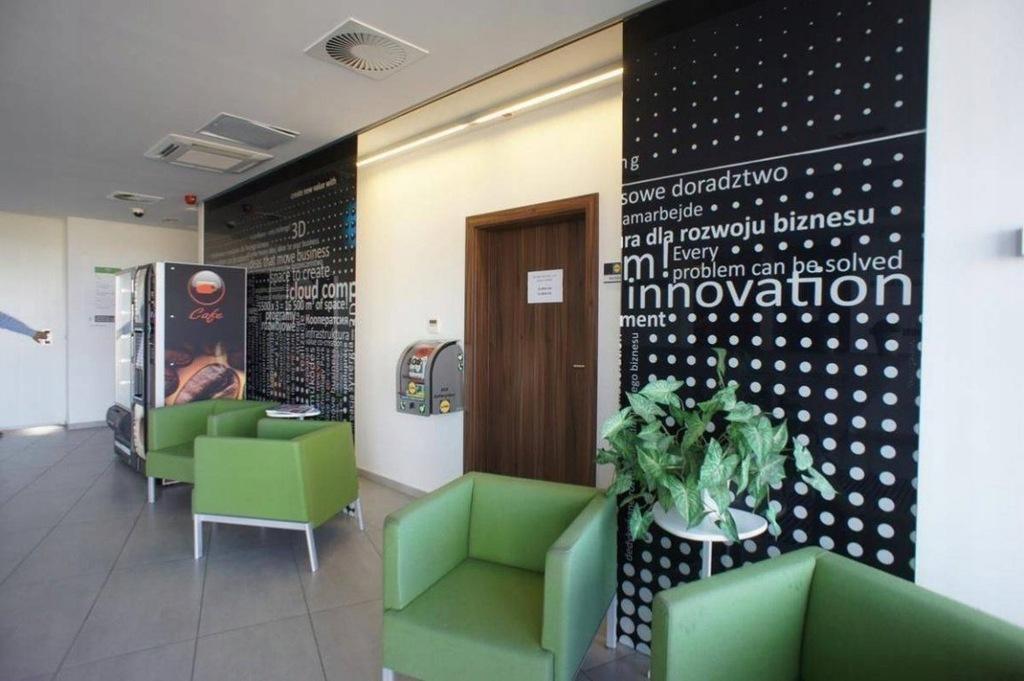 Biuro, Dąbrowa, Dopiewo (gm.), 300 m²