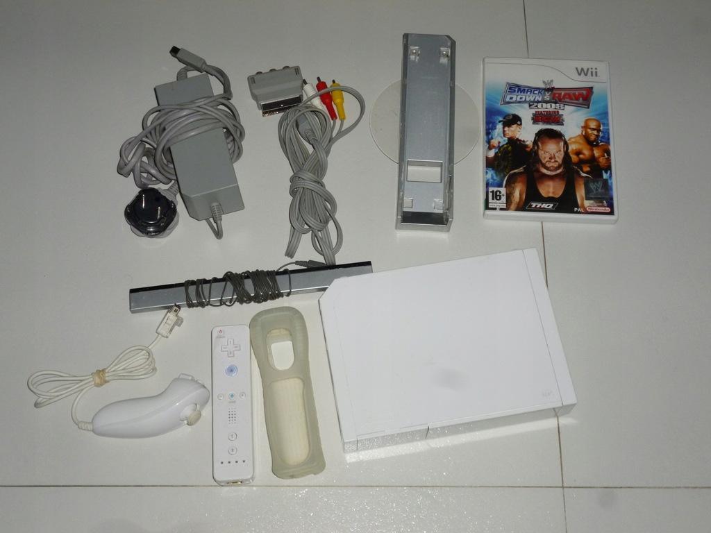 Konsola Nintendo Wii biała pady, gra sprawna tanio