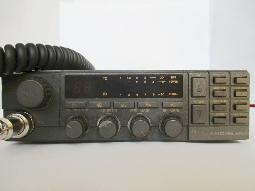 CB RADIO ALAN MIDLAND 28 MC-GAIN RFGAIN SWR HI-CUT