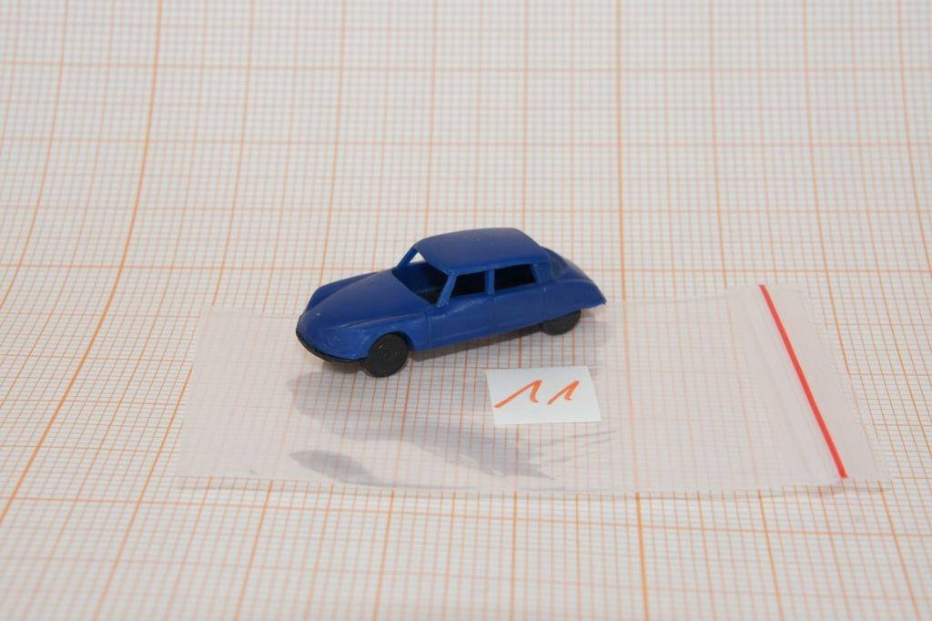 Auto na makietę w skali N 1/160 (11)