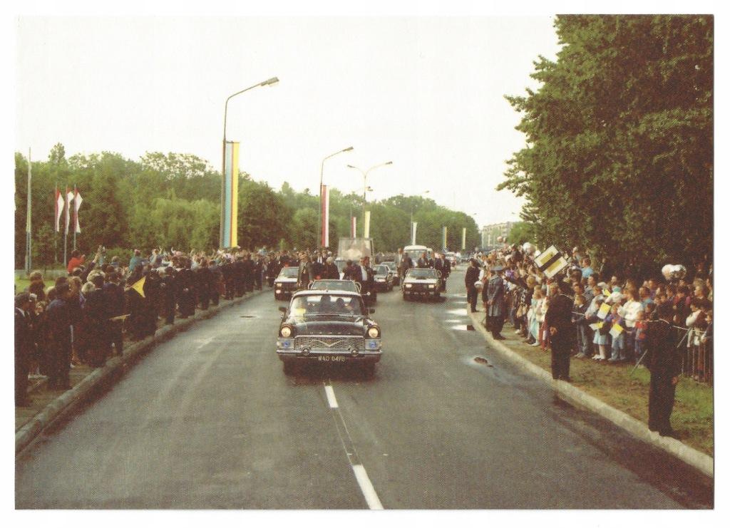Płock. Wizyta Jana Pawła II 1991r Przejazd ulicami