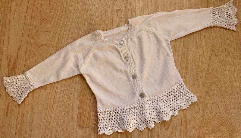 M&S rozpinany sweterek biel 74cm