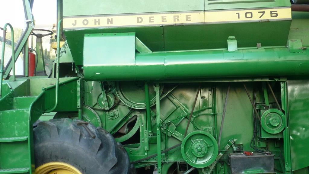Kombajn John Deere 1075