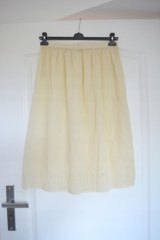 Bawełniana prześwitująca midi ecru spódnica L