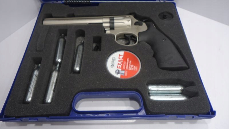 "SMITH & WESSON 686 6"" 4,5 MM 181024015 ip"