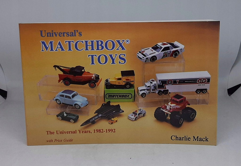 MATCHBOX TOYS UNIVERSAL YEARS 1982-1992 CH. MACK