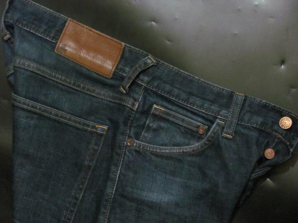 H&M- DRAIN- SUPER SLIM- RURKI- VINTAGE- pas 77