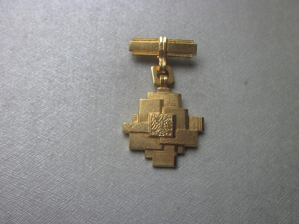 Odznaka Zasłużony Dla Budownictwa 3