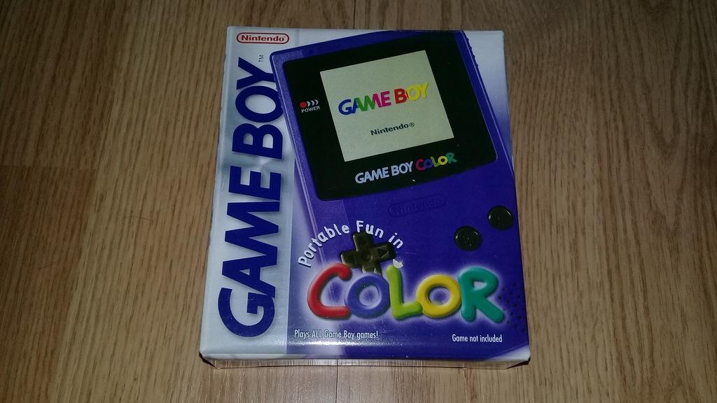 GameBoy Color FIOLETOWY - komplet w pudełku