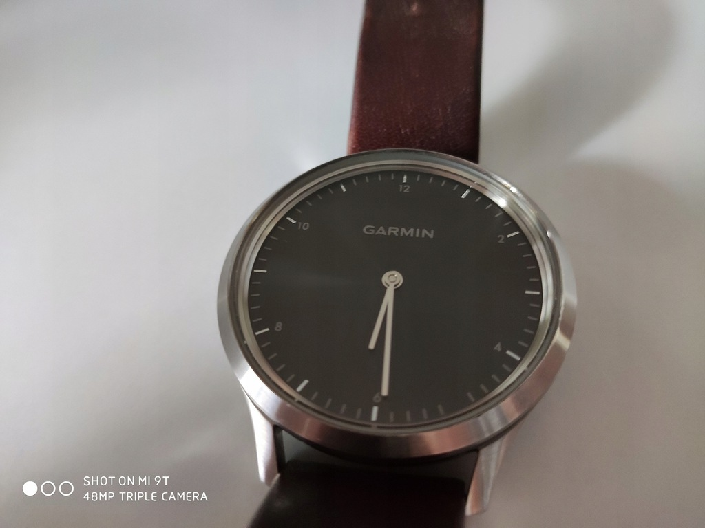 Garmin vivomove HR Premium brązowy smartwatch