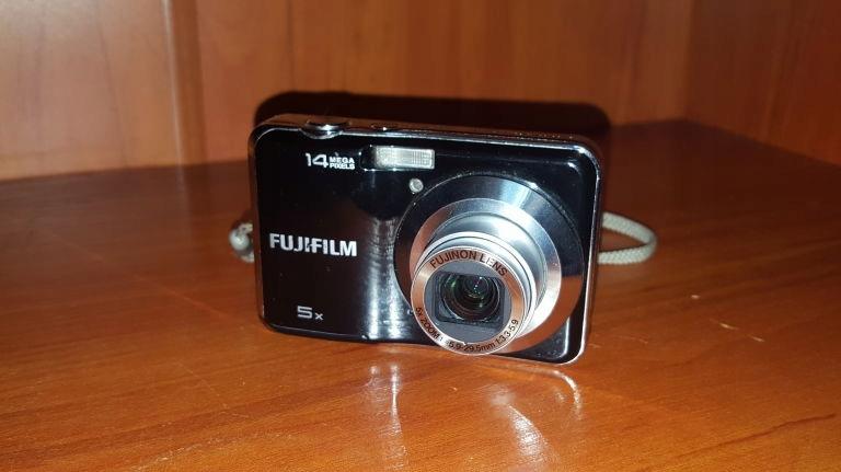 APARAT FUJIFILM FINEPIX AX300 14 MPX