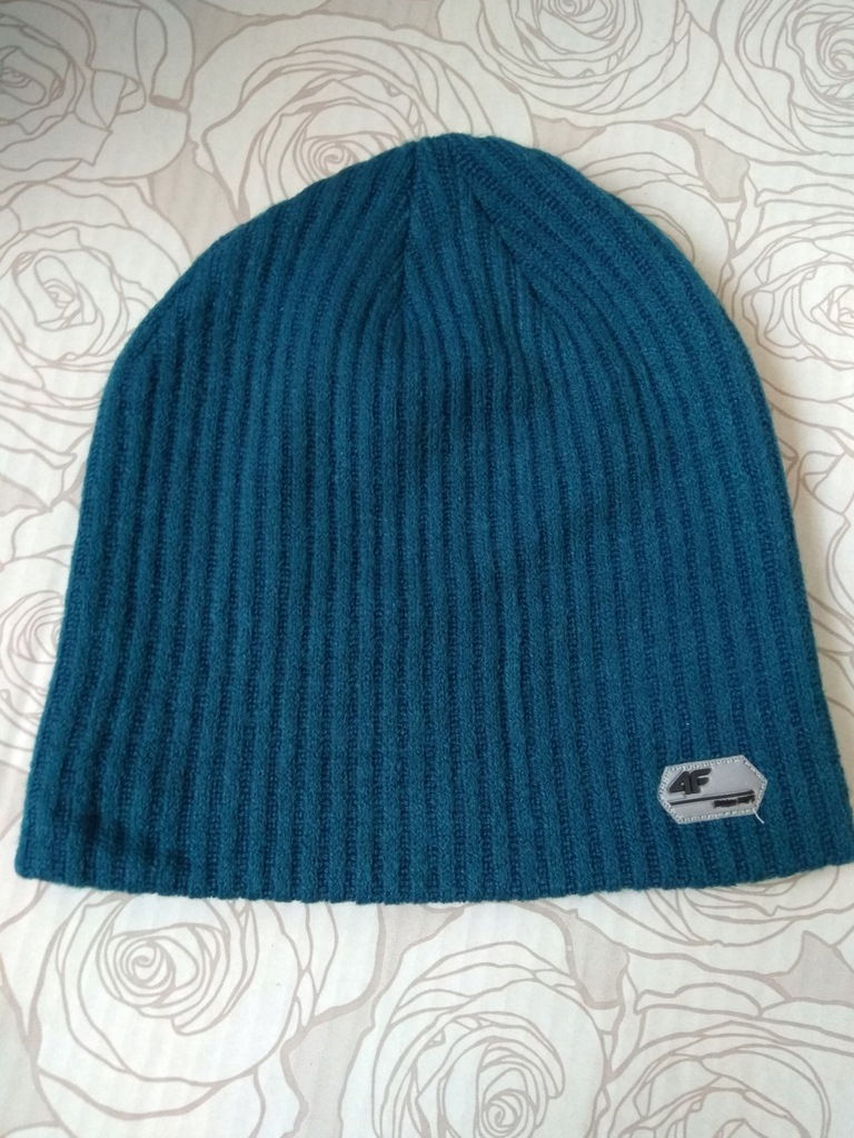 Turkusowa czapka 4F