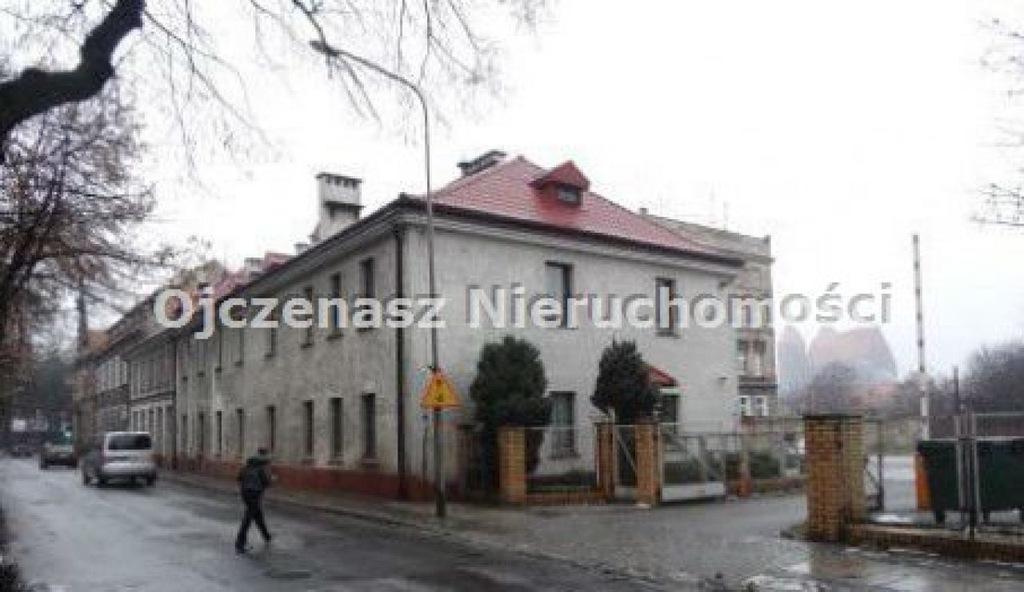 Biuro, Brzeg, Brzeski (pow.), 2159 m²
