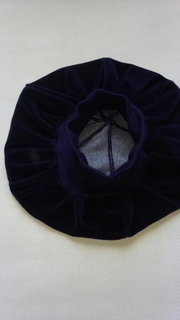 Czapka beret dziewczęcy welurowy granatowy